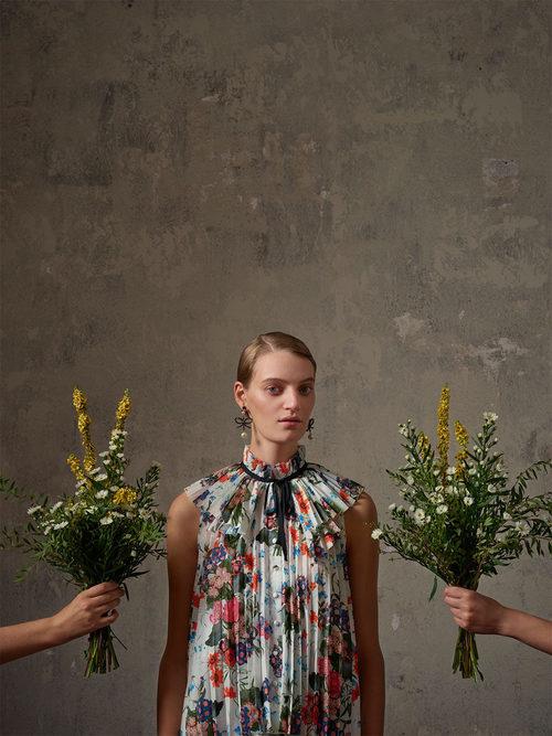 Blusa de flores de la colección Erdem x H&M