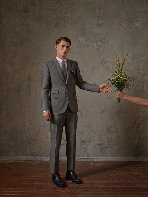 Traje masculino gris de la colección Erdem x H&M