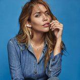 Rosanna Zanetti luciendo unos pendientes de la línea 'Ready to wear' de Vidal & Vidal