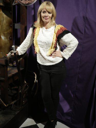 María Adánez con un look sencillo en la presentación del musical 'La familia Adams'