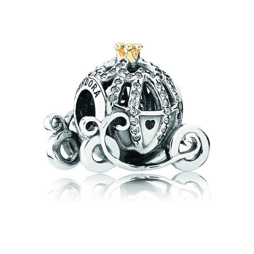 Pieza de plata con brillantes de la carroza de Cenicienta de 'Disney' por Pandora