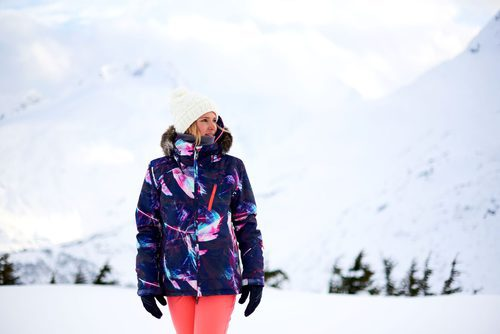 Prendas femeninas de la colección de Snow 2017 de Roxy