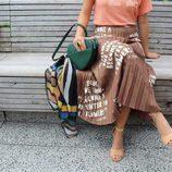 Falda, camiseta y complementos de 'Dear Drew' para Amazon