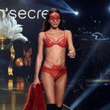 Conjunto de lencería roja de la colección 'Wanted' de la Women'secret night 2017