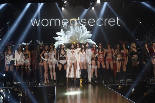 Modelos en el desfile de la Women'secret night 2017