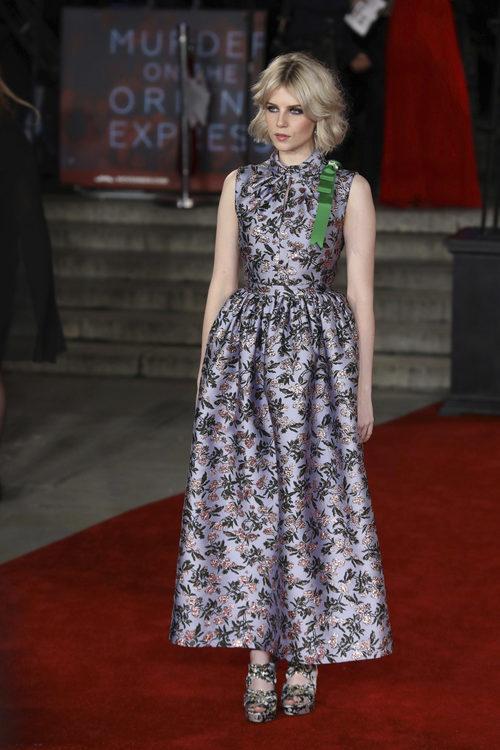 Lucy Boynton en la presentación de la película 'Asesinato en el Orient Express' en Londres