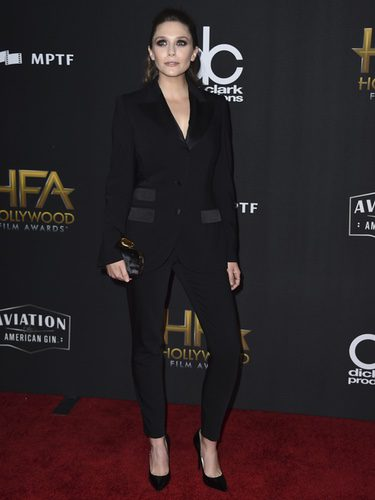 Elizabeth Olsen en la alfombra roja de los 'Hollywood films awards' en Beverly Hills