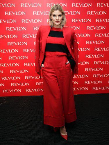 Amaia Salamanca presentando su línea de cosméticos de Revlon