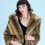 Abrigo de pelo de la colección 'Night Out' de Zara