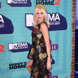 Pixie Lott con un dos piezas en negro metalizado y dorado en los MTV EMA 2017