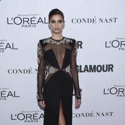 Sara Sampaio con un espectacular vestido negro en los Premios Glamour Women of the Year