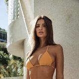 Emily Ratajkowski con bikini 'Orpheus' de su firma 'Inamorata'