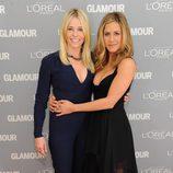 Look de Chelsea Handler y Jennifer Aniston en el premio Glamour a la Mujer del Año