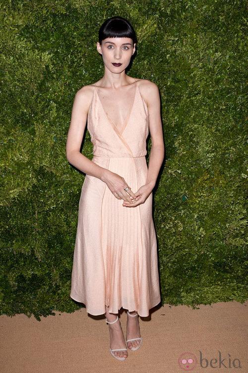 Look de Rooney Mara en la fiesta de Vogue en Nueva York
