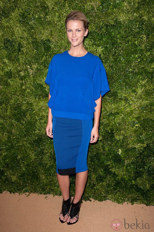 Look de Brooklyn Decker en la fiesta de Vogue en Nueva York