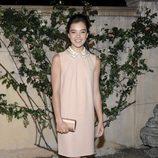 Hailee Steinfeld con vestido de Miu Miu y bolso de Prada