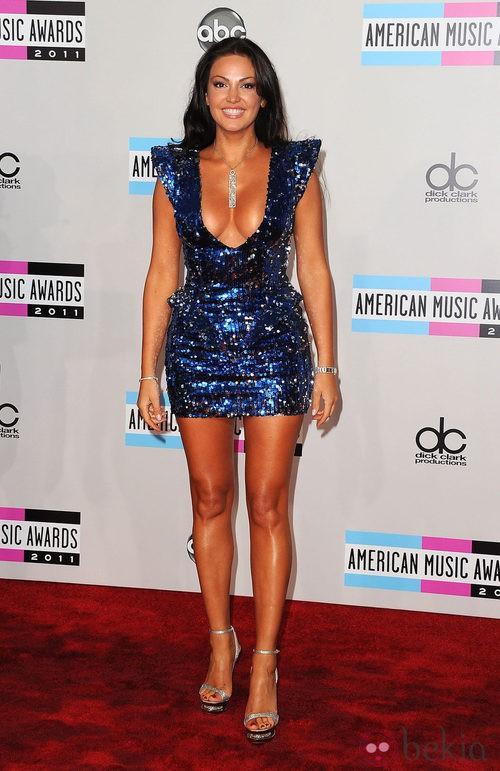 Look de Bieona Qereti en los AMA 2011