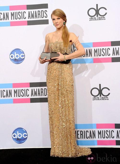 Look de Taylor Swift en los AMA 2011