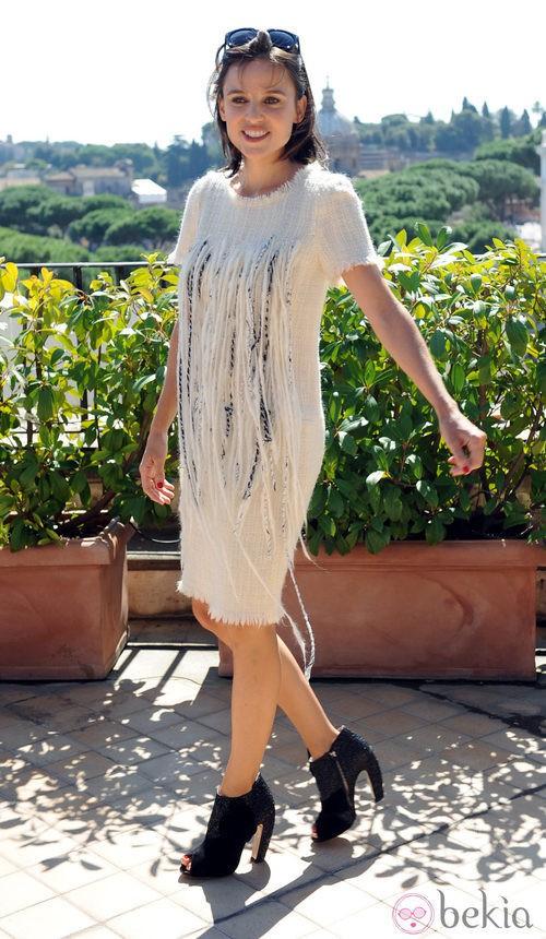 Elena Anaya con botines block heels negros de Miu Miu
