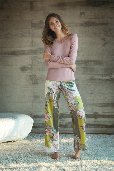 Conjunto dos piezas de pijama de la colección 'Home lingerie' de la temporada otoño/invierno 2017/2018 de Selmark