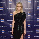 Margot Robbie con un vestido asimétrico en los premios Gotham 2017 en Nueva York