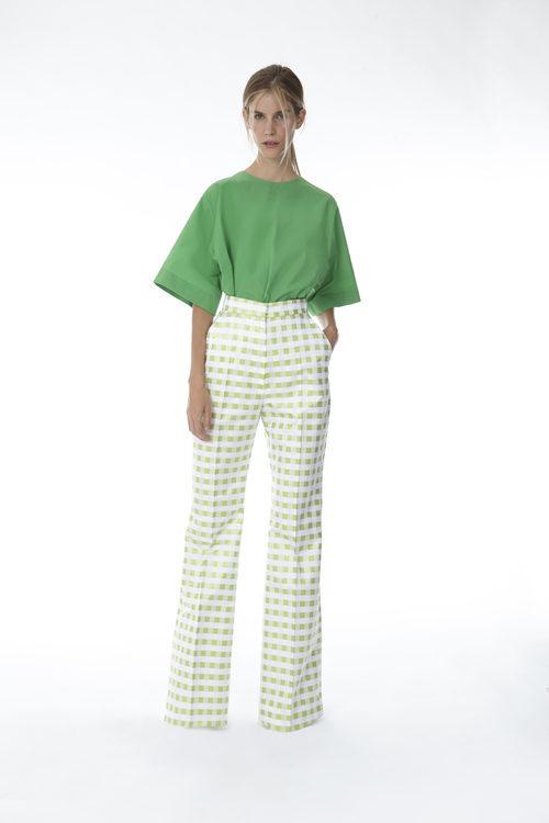 Pantalón de cuadros vichy y blusa verde de la colección 'Resort 18' de '2ND LAB by The 2nd Skin Co'