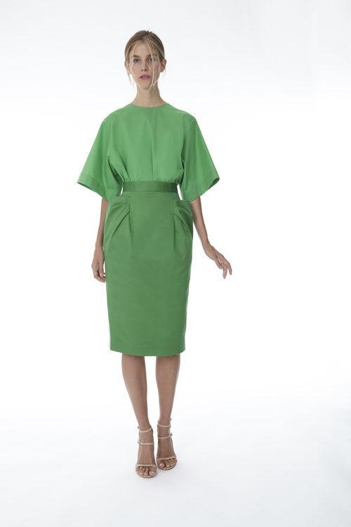 Falda y blusa color verde de la colección 'Resort 18' de '2ND LAB by The 2nd Skin Co'
