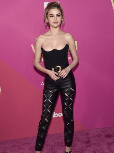 Selena Gomez con un estilismo impactante en la gala Billboard Women in Music