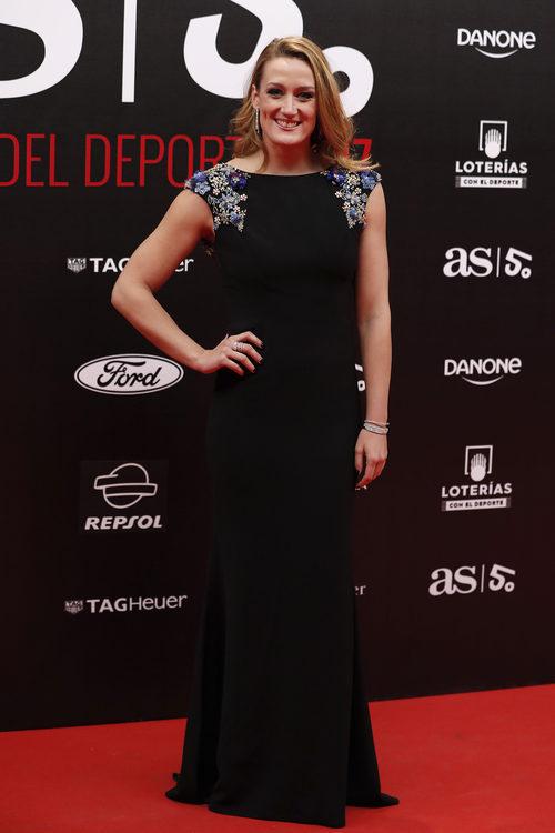 Mireia Belmonte con un vestido largo en el 50 aniversario de los premios AS en Madrid