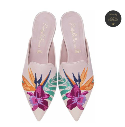 Zapatos con bordado de flores de Pretty Ballerinas de la colección de verano 2018 por Olivia Palermo