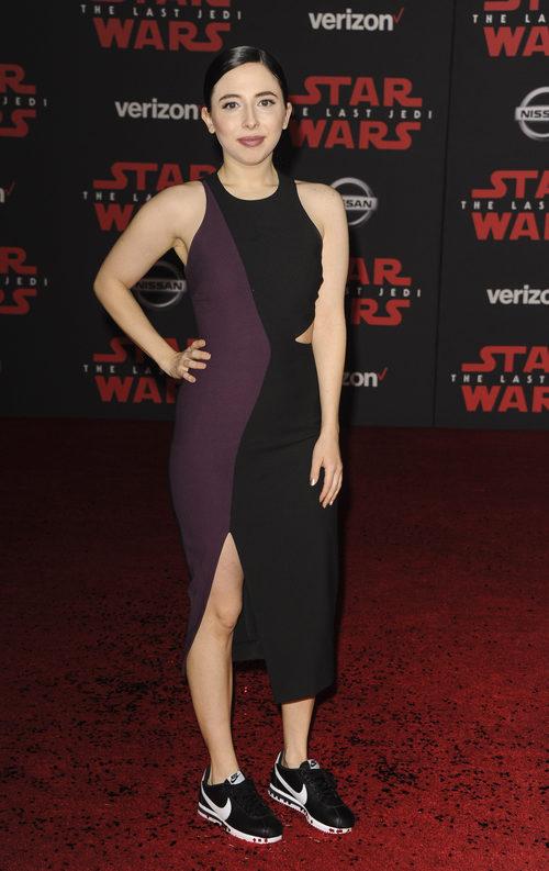 Esther Povitsky con un look inapropiado en la Premiere de 'Star Wars: The Last Jedi'