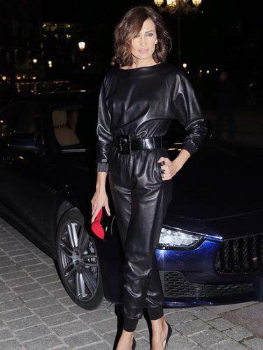 Nieves Álvarez con total black look para asistir a la ópera 'Le Boheme' en Madrid