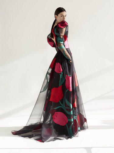 Vestido negro de la colección NY Pre Fall 2018 de Carolina Herrera