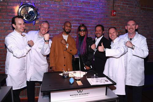 Alicia Keys, Swizz Beatz, Julien Tornare junto a relojeros de Zenith en el evento benéfico de Nueva York