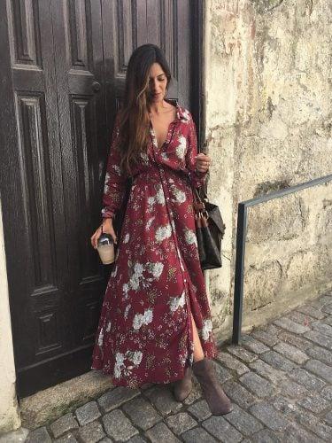 Sara Carbonero con un vestido floral de Vezavena