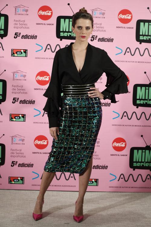 Macarena Gómez brilla en los Premios MIM 2017 con una falda de Essentiel Antwerp