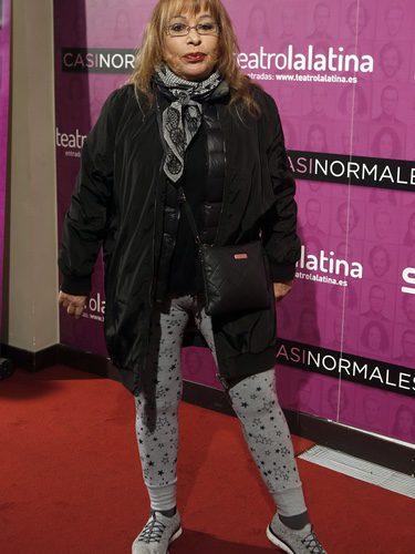 La cantante Massiel con leggins grises en el estreno del musical 'Casi normales' en Madrid