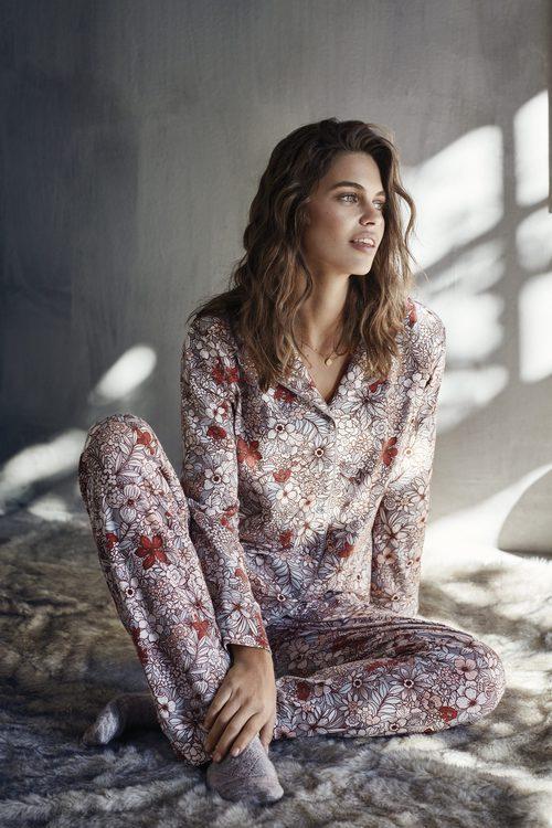 Pijama estampado de flores de Promise de la colección 'Pijama Party' para este invierno