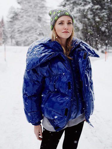 Chiara Ferragni con un abrigo acolchado en Suiza