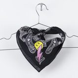Bandana negra para mujer de 'The Levi's Holiday 2017 Collection'.