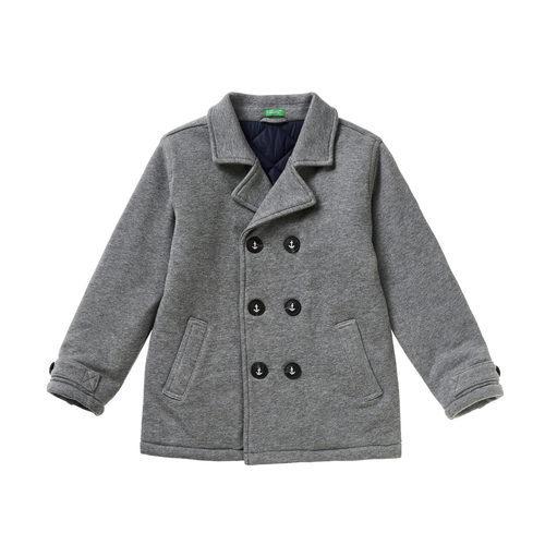 Abrigo gris para niño de la colección de Primavera 2018 de Benetton