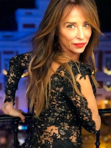 María Patiño luciendo un vestido de encaje y transparencias para las Campanadas 2017
