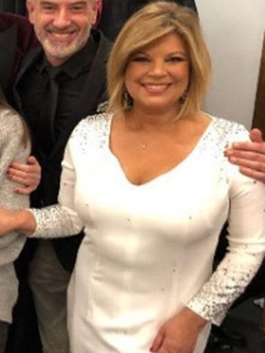Terelu Campos con un vestido blanco de Pablo Lanzarote para dar las Campanadas 2017