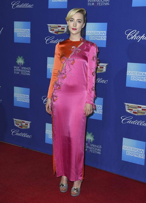 Saoirse Ronan con vestido de Gucci en el Festival de Palm Springs