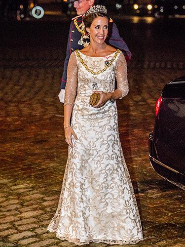 Marie de Dinamarca repite vestido en la cena de Año Nuevo de la Familia Real Danesa