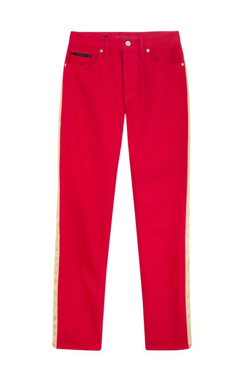 Pantalón rojo femenino de Calvin Klein de la colección primavera jeans 2018