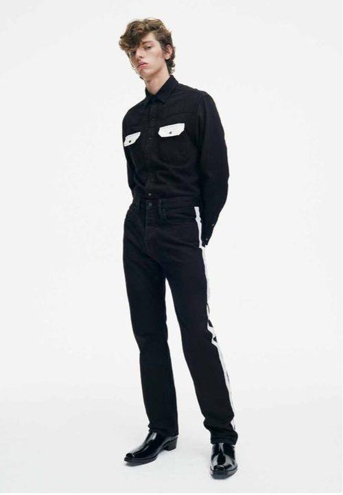Total black masculino de Calvin Klein de la colección primavera jeans 2018