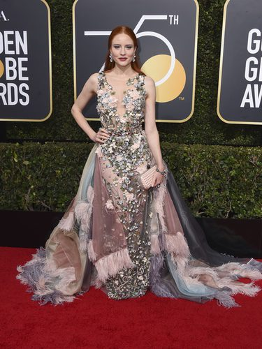 Barbara Meier con un vestido en tonos pastel en los Globos de Oro 2018