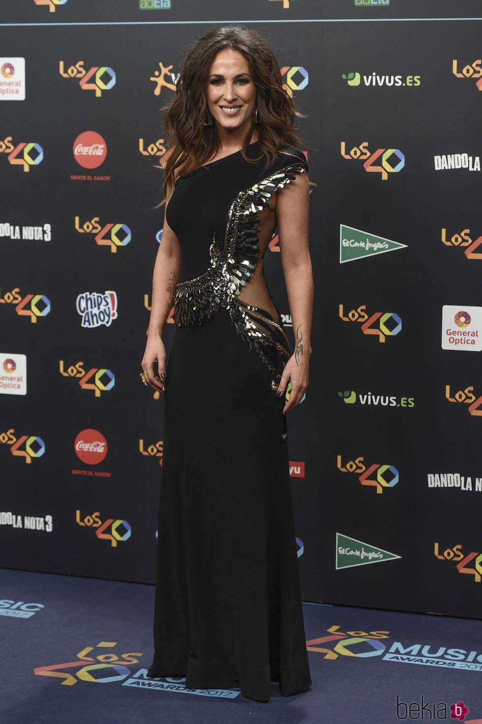 En Con 40 Vestido Un De Los Malú Elisabetta Franchi Premios kPXuOZiT