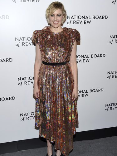 Greta Gerwig con un diseño de Gucci en los Premios de la Asociación de Críticos Norteamericanos